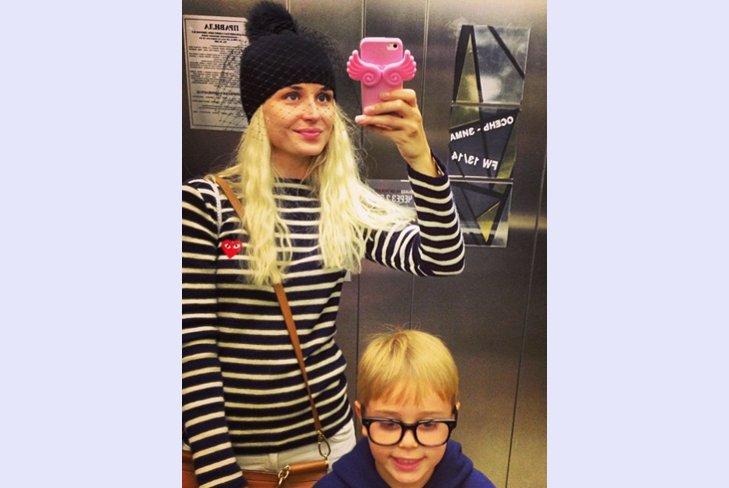 Полина Гагарина показала своего сына