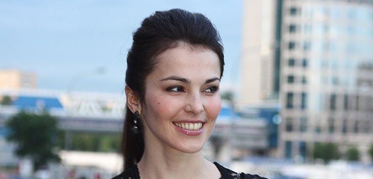 Сати Казанова рассказала, как её укусила собственная лошадь