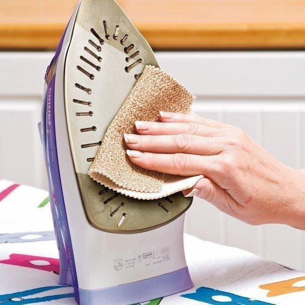 Секреты эффективной очистки утюга от пригара