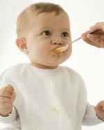 Чем кормить малыша в возрасте 6 месяцев?