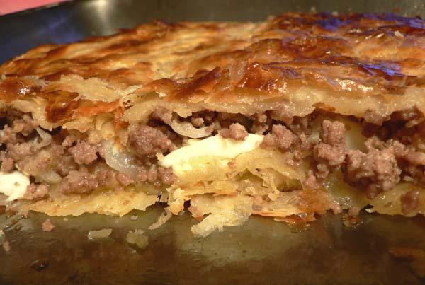 Рецепт мясных пирожков из слоеного теста