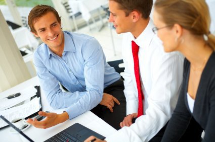 Составляет резюме: личные качества, помогающие в работе