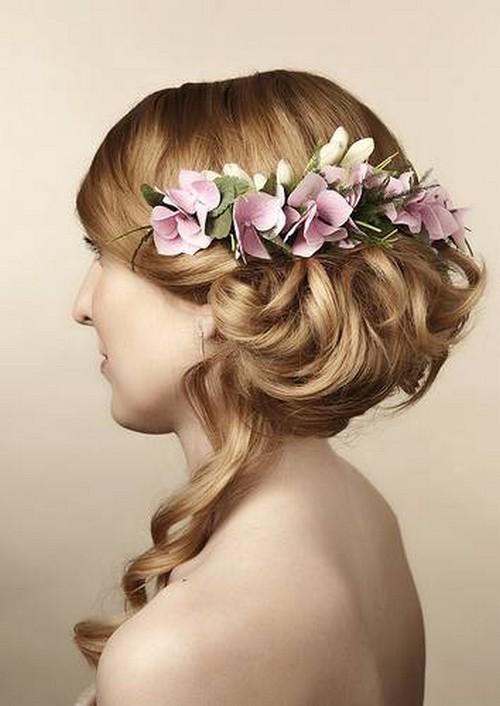 детские прически с живыми цветами в волосах фото