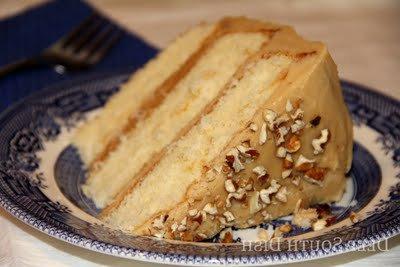 Простой торт с вареной сгущенкой в домашних условиях