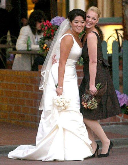 «Звездные» подружки невесты, о которых мечтает каждая девушка
