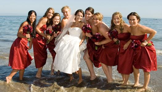 Что одеть на свадьбу летом — фото модных платьев
