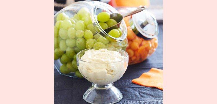 13 Соус для фруктов из йогурта и сливочного сыра