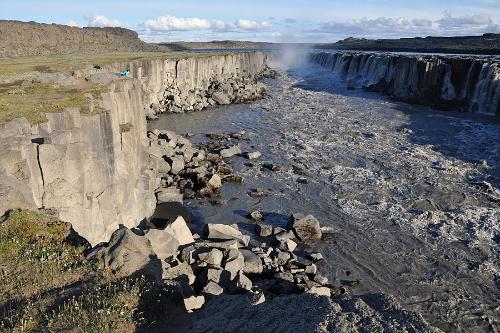 Деттифосс (Dettifoss) - самый мощный водопад в Европе (11 фото)