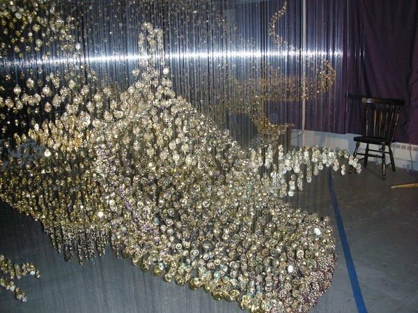 Золотой дракон из пуговиц (9 фото)