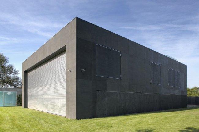 Дом-крепость против нашествия зомби (10 фото)