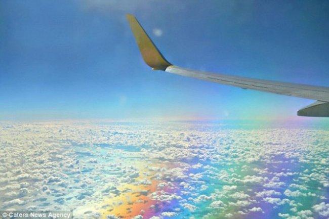 Полет над радугой (3 фото)