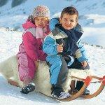 Как выбрать комбинезон для ребенка на зиму