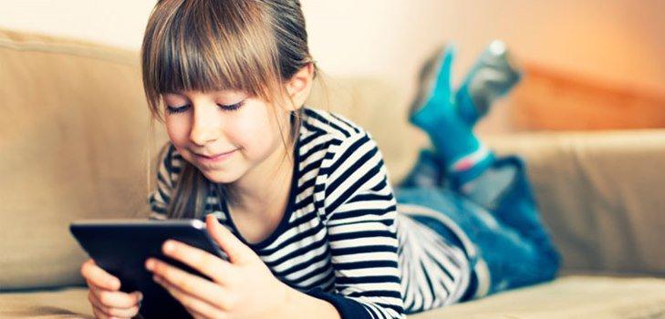 Дошкольник просит планшет в подарок: покупать или нет?
