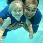 Как научить плавать ребенка