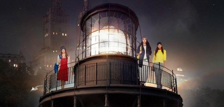 Высокотехнологичное модное шоу в Нью-Йорке